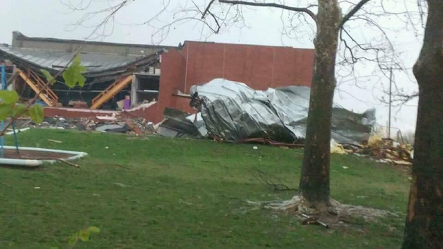 Suspected tornado leaves path of destruction in Goodman, Missouri