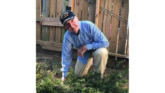 WWII veteran, 97, kneels in support of NFL's national anthem protests