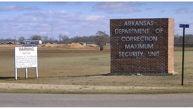 Three guards hurt in 2 attacks at Arkansas prisons