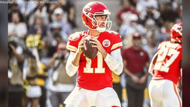 Hall of Famer says Chiefs' Alex Smith will be benched