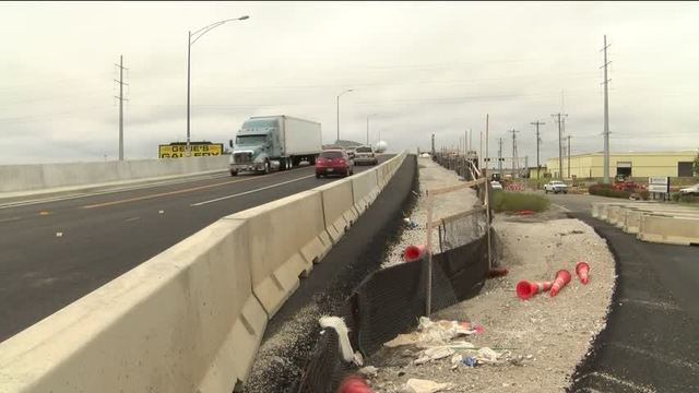 MoDOT Delays Opening of All 4 Lanes on New Chestnut/65 Bridge