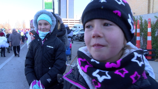 Christmas parade child_1513186231234.jpg