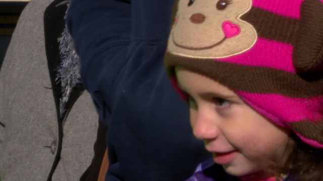 Christmas parade kid3_1513186213687.jpg