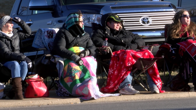parade watchers_1513186215417.jpg